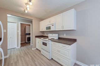Photo 4: 10 2251 St Henry Avenue in Saskatoon: Exhibition Residential for sale : MLS®# SK849279