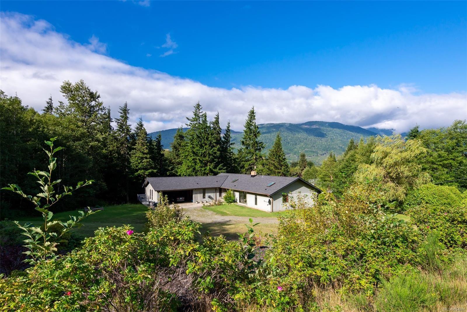 Main Photo: 631 Sabre Rd in : NI Kelsey Bay/Sayward House for sale (North Island)  : MLS®# 854000