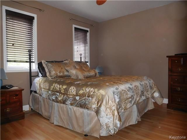 Photo 12: Photos: 54 WESTWOOD Avenue in Mitchell: R16 Residential for sale : MLS®# 1809222