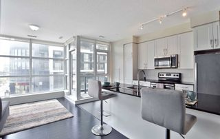 Photo 2: 208 4070 Confederation Parkway in Mississauga: City Centre Condo for sale : MLS®# W4933773