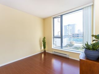 """Photo 15: 804 719 PRINCESS Street in New Westminster: Uptown NW Condo for sale in """"STIRLING PLACE"""" : MLS®# R2432360"""