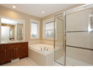 """Photo 19: 20915 71A Avenue in Langley: Willoughby Heights House for sale in """"MILNER HEIGHTS"""" : MLS®# F1436884"""