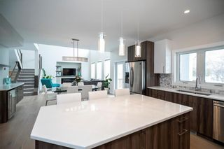 Photo 8: 445 Scotswood Drive South in Winnipeg: Charleswood Residential for sale (1G)  : MLS®# 202004764
