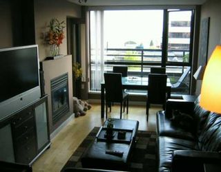 """Photo 2: 303 124 W 1ST ST in North Vancouver: Lower Lonsdale Condo for sale in """"THE 'Q'"""" : MLS®# V586942"""