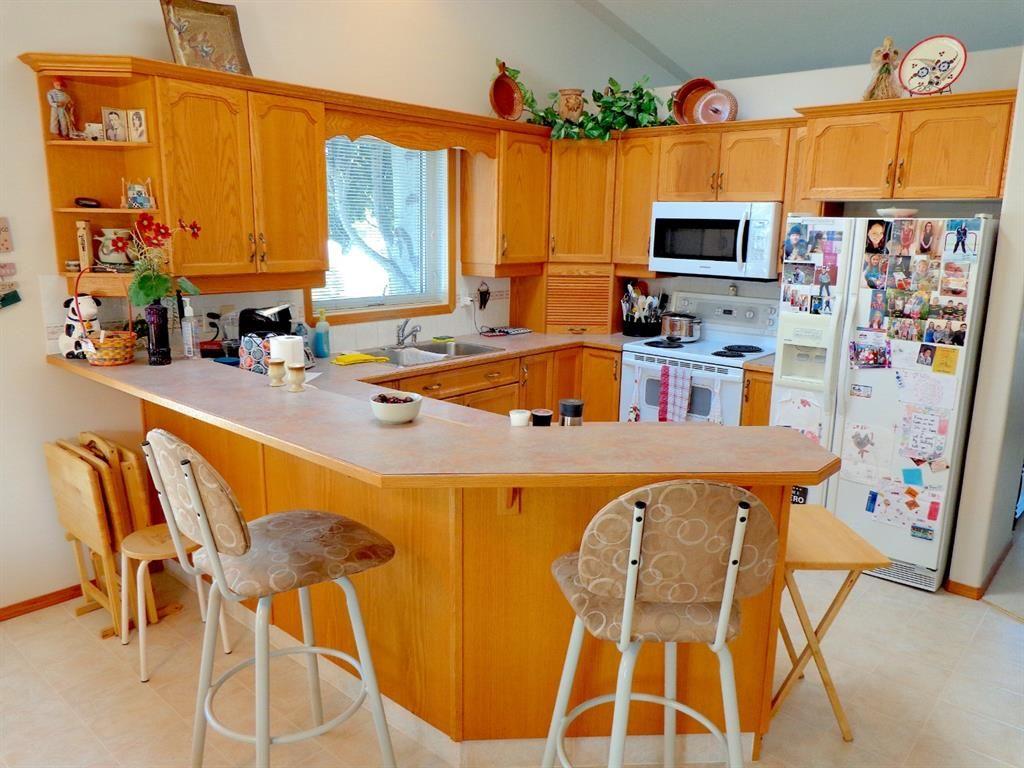 Photo 6: Photos: 77 Dumas Crescent: Red Deer Detached for sale : MLS®# A1135546