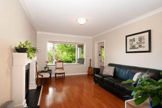 Photo 3: 6 W 11TH Avenue in Vancouver: Mount Pleasant VW 1/2 Duplex for sale (Vancouver West)  : MLS®# R2387721