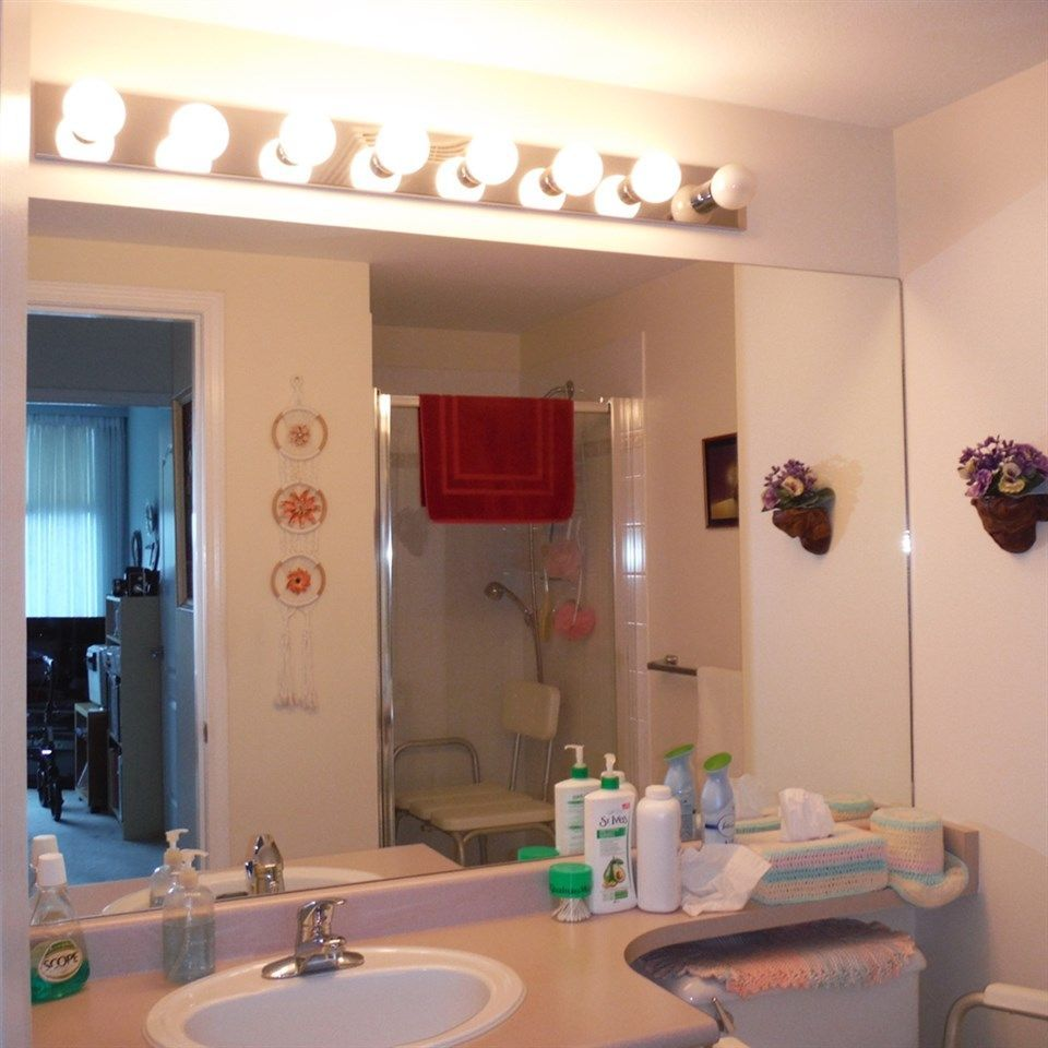 """Photo 15: Photos: 806 12148 224 Street in Maple Ridge: East Central Condo for sale in """"PANORAMA"""" : MLS®# R2285555"""