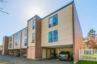 """Main Photo: 22 10200 4TH Avenue in Richmond: Steveston North Townhouse for sale in """"THE HIGHLANDS IN STRAWBERRY HITLL"""" : MLS®# R2552005"""