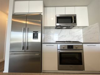 """Photo 15: 708 3281 E KENT NORTH Avenue in Vancouver: South Marine Condo for sale in """"RHYTHM"""" (Vancouver East)  : MLS®# R2560384"""