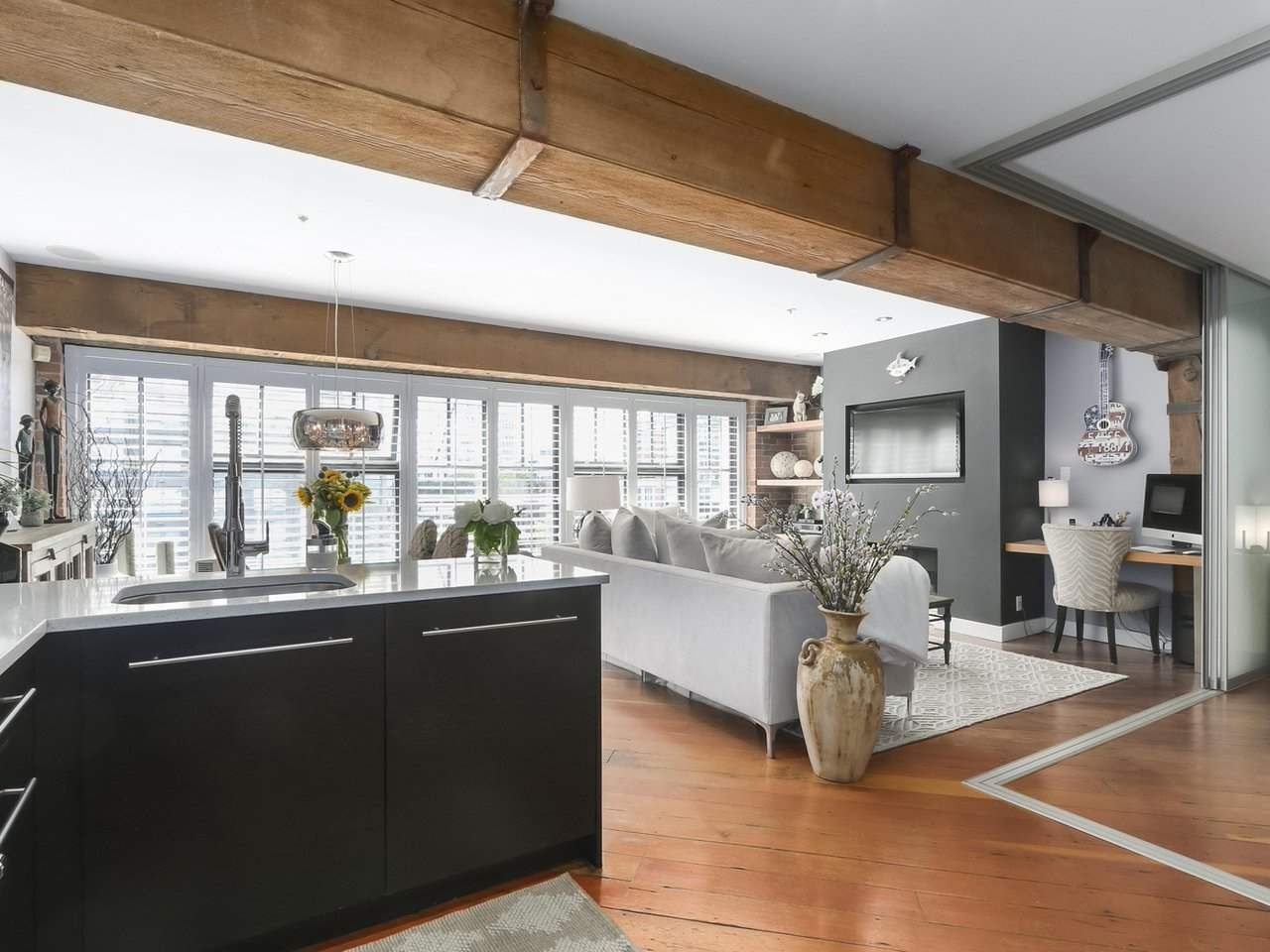 Main Photo: 308 1178 HAMILTON STREET in Vancouver: Yaletown Condo for sale (Vancouver West)  : MLS®# R2421669