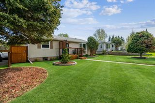 Photo 2: 8524 33 Avenue NW in Calgary: Bowness Detached for sale : MLS®# A1112879
