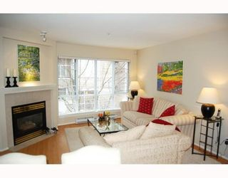 "Photo 2: 25 788 W 15TH Avenue in Vancouver: Fairview VW Townhouse for sale in ""16 WILLOWS"" (Vancouver West)  : MLS®# V756826"