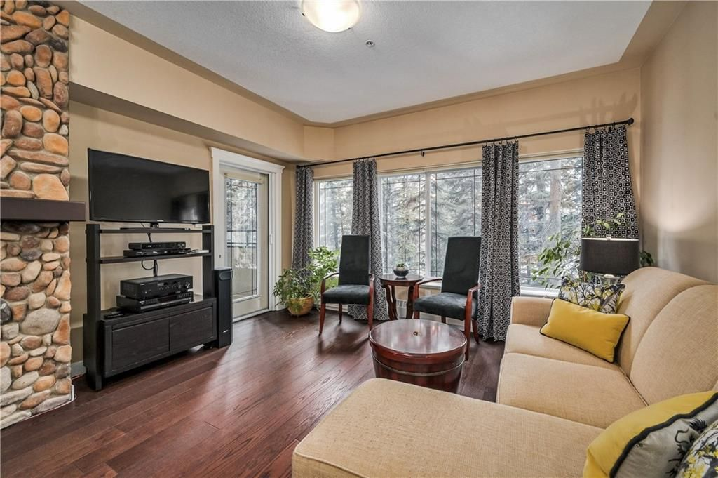 Main Photo: 202 20 DISCOVERY RIDGE Close SW in Calgary: Discovery Ridge Apartment for sale : MLS®# C4290258