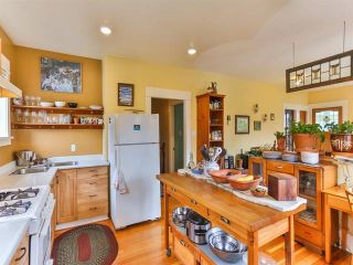 """Photo 8: 1976 NAPIER Street in Vancouver: Grandview VE House for sale in """"COMMERCIAL DRIVE"""" (Vancouver East)  : MLS®# R2082902"""