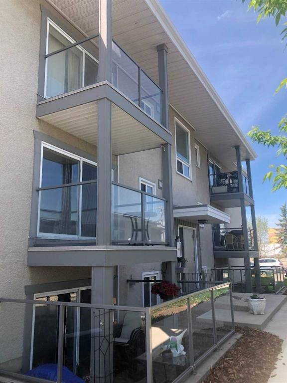 Main Photo: 2 609 67 Avenue SW in Calgary: Kingsland Apartment for sale : MLS®# A1120682
