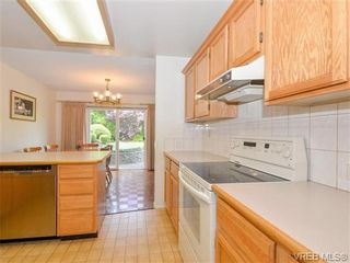 Photo 6: 10 1950 Cultra Ave in SAANICHTON: CS Saanichton Row/Townhouse for sale (Central Saanich)  : MLS®# 731836