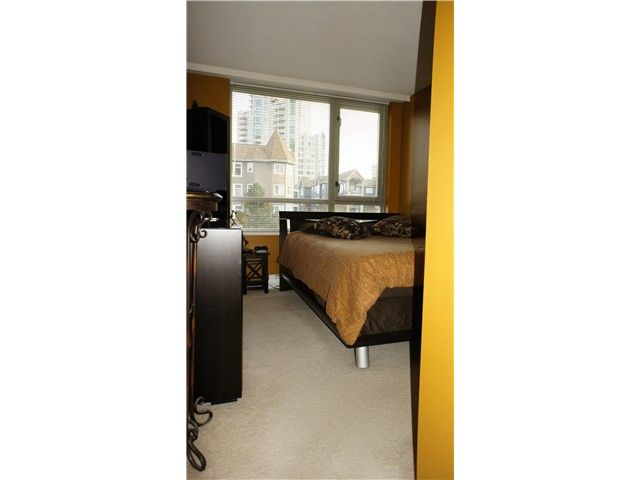 Photo 6: Photos: # 205 3070 GUILDFORD WY in Coquitlam: North Coquitlam Condo for sale : MLS®# V924595