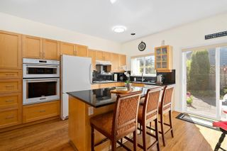Photo 5: 5 2235 Harbour Rd in : Si Sidney North-East Row/Townhouse for sale (Sidney)  : MLS®# 850601