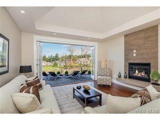 Photo 10: 2071 Hedgestone Lane in VICTORIA: La Bear Mountain Residential for sale (Langford)  : MLS®# 339240