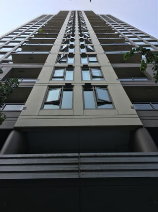 """Photo 2: 1607 1001 HOMER Street in Vancouver: Yaletown Condo for sale in """"THE BENTLEY"""" (Vancouver West)  : MLS®# R2196793"""