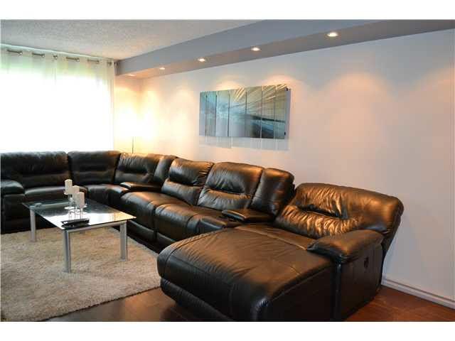 Main Photo: #111 14811 51 AV NW in Edmonton: Zone 14 Condo for sale : MLS®# E3311367