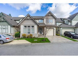 """Photo 1: 13 6177 169 Street in Surrey: Cloverdale BC Townhouse for sale in """"Northview Walk"""" (Cloverdale)  : MLS®# R2559124"""