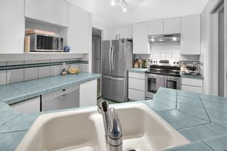"""Photo 8: 301 789 JERVIS Street in Vancouver: West End VW Condo for sale in """"JERVIS COURT"""" (Vancouver West)  : MLS®# R2236913"""