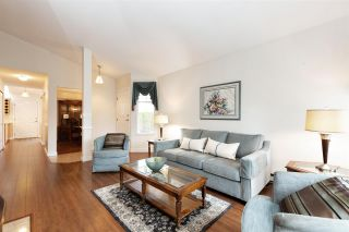 """Photo 4: 72 8737 212 Street in Langley: Walnut Grove Townhouse for sale in """"Chartwell Green"""" : MLS®# R2564221"""