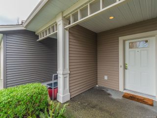 Photo 2: 804 1675 Crescent View Dr in NANAIMO: Na Central Nanaimo Row/Townhouse for sale (Nanaimo)  : MLS®# 830986
