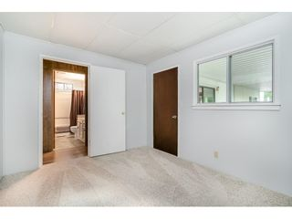 """Photo 20: 293 1840 160 Street in Surrey: King George Corridor Manufactured Home for sale in """"Breakaway Bays"""" (South Surrey White Rock)  : MLS®# R2616077"""