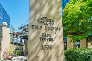 """Photo 2: 2109 1331 ALBERNI Street in Vancouver: West End VW Condo for sale in """"The Lions"""" (Vancouver West)  : MLS®# R2625377"""
