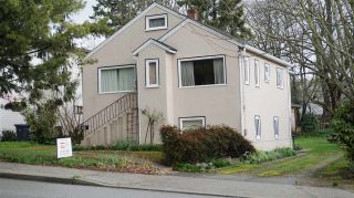 Photo 1: 210 BERNATCHEY Street in Coquitlam: Coquitlam West House for sale : MLS®# R2041025