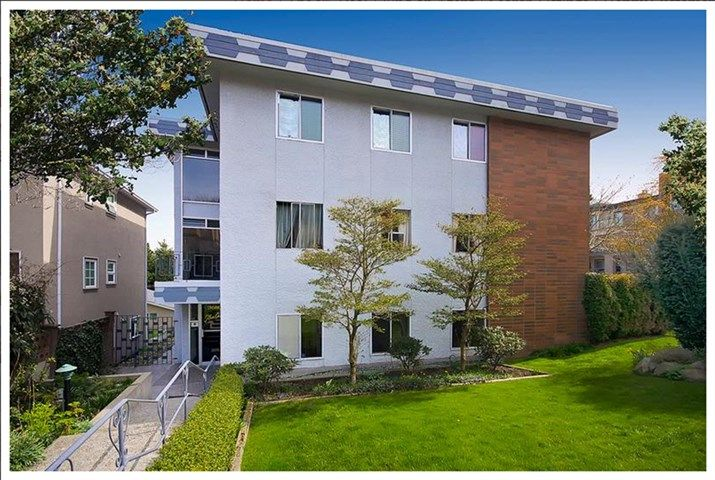 """Main Photo: 101 3680 OAK Street in Vancouver: Cambie Condo for sale in """"Glen Oaks"""" (Vancouver West)  : MLS®# R2045986"""