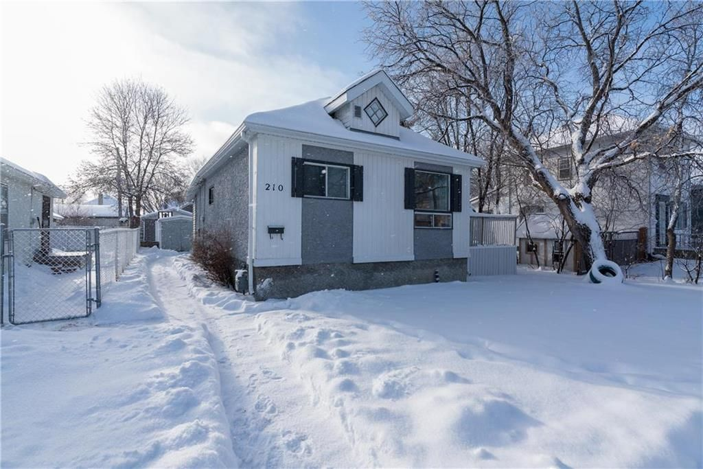 Main Photo: 210 Harvard Avenue West in Winnipeg: West Transcona Residential for sale (3L)  : MLS®# 202029922