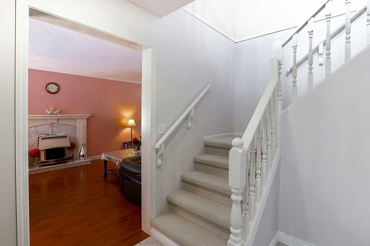 """Photo 4: Photos: 15676 84A Avenue in Surrey: Fleetwood Tynehead House for sale in """"FLEETWOOD"""" : MLS®# R2090516"""