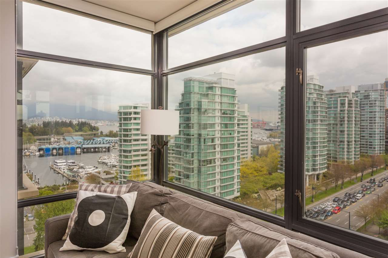"""Main Photo: 1502 1863 ALBERNI Street in Vancouver: West End VW Condo for sale in """"LUMIERE"""" (Vancouver West)  : MLS®# R2367109"""