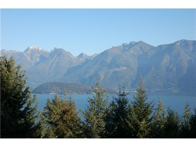 Main Photo: 1265 OCEANVIEW Road: Bowen Island Home for sale ()  : MLS®# V1040225
