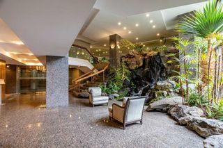 Photo 4: 403 3800 Yonge Street in Toronto: Bedford Park-Nortown Condo for sale (Toronto C04)  : MLS®# C5312848