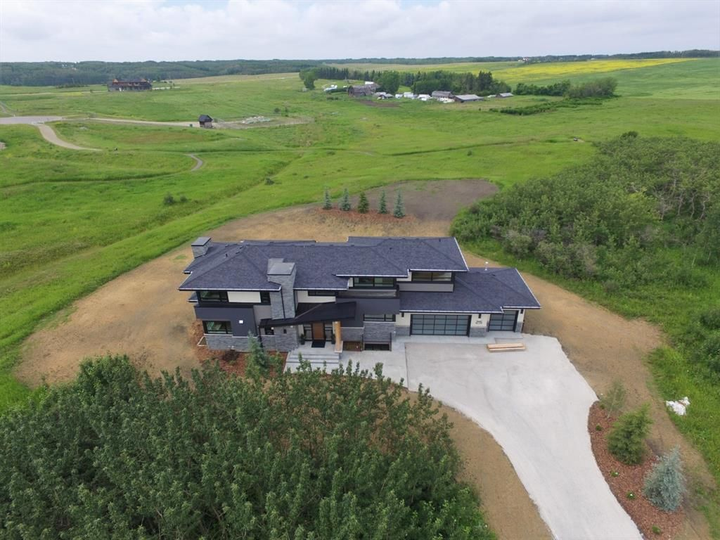 Main Photo: 25 SILVERHORN Vale in Rural Rocky View County: Rural Rocky View MD Detached for sale : MLS®# C4294625