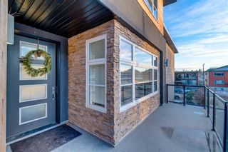 Photo 3: 2620 15A Street SW in Calgary: Bankview Semi Detached for sale : MLS®# A1070498
