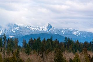 """Photo 7: 701 3096 WINDSOR Gate in Coquitlam: New Horizons Condo for sale in """"MANTYLA"""" : MLS®# R2534320"""
