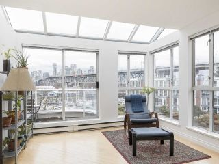 """Photo 5: 406 1551 MARINER Walk in Vancouver: False Creek Condo for sale in """"LAGOONS"""" (Vancouver West)  : MLS®# R2548149"""