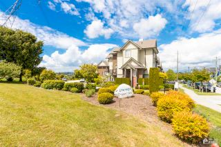 """Photo 4: 39 2845 156 Street in Surrey: Grandview Surrey Townhouse for sale in """"THE HEIGHTS"""" (South Surrey White Rock)  : MLS®# R2585100"""