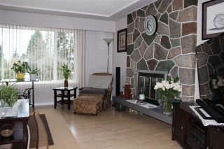 Photo 4: 2121 VENICE Avenue in Coquitlam: Central Coquitlam House for sale : MLS®# R2538303