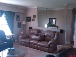 Photo 4: 10458 GLASGOW Street in Chilliwack: Fairfield Island House for sale : MLS®# H1002614
