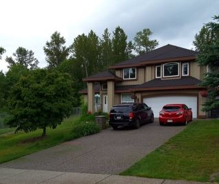 Photo 1: 15285 80 Avenue in Surrey: Fleetwood Tynehead House for sale : MLS®# R2378387