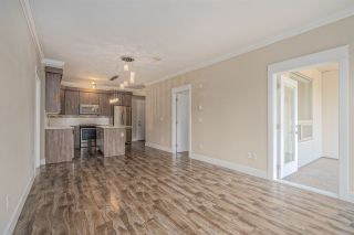 Photo 7: 204 19228 64 Avenue in Surrey: Clayton Condo for sale (Cloverdale)  : MLS®# R2497292