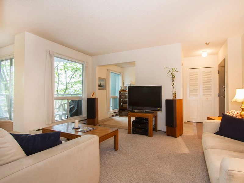 FEATURED LISTING: 405 - 1510 1ST Avenue West Vancouver