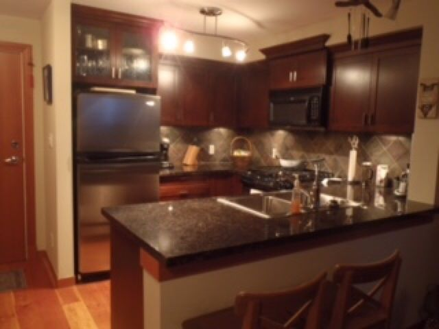 """Photo 2: Photos: 315 7 RIALTO Court in New Westminster: Quay Condo for sale in """"MURANO LOFTS"""" : MLS®# R2278054"""