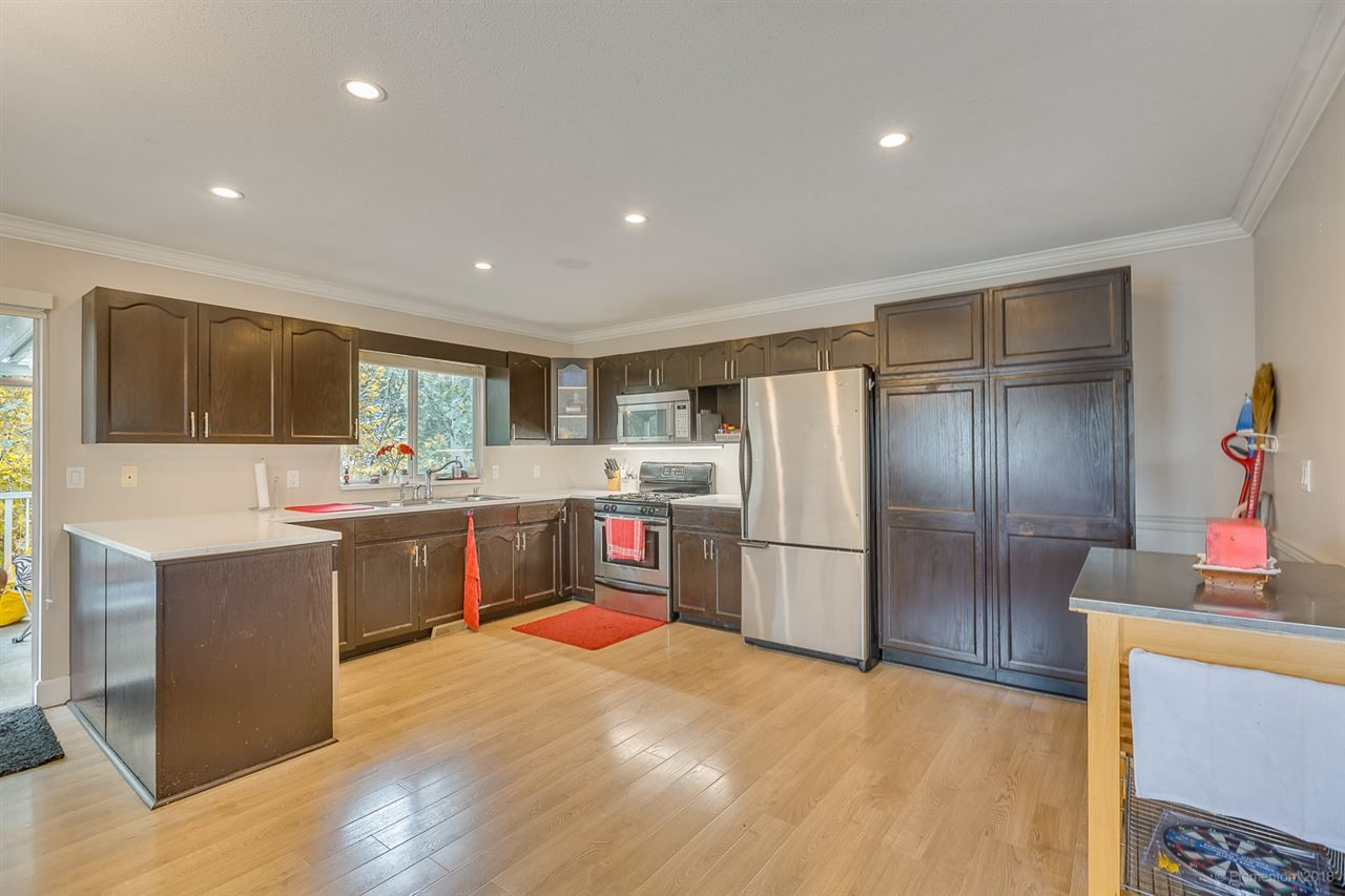Photo 14: Photos: 19286 PARK Road in Pitt Meadows: Mid Meadows House for sale : MLS®# R2510376